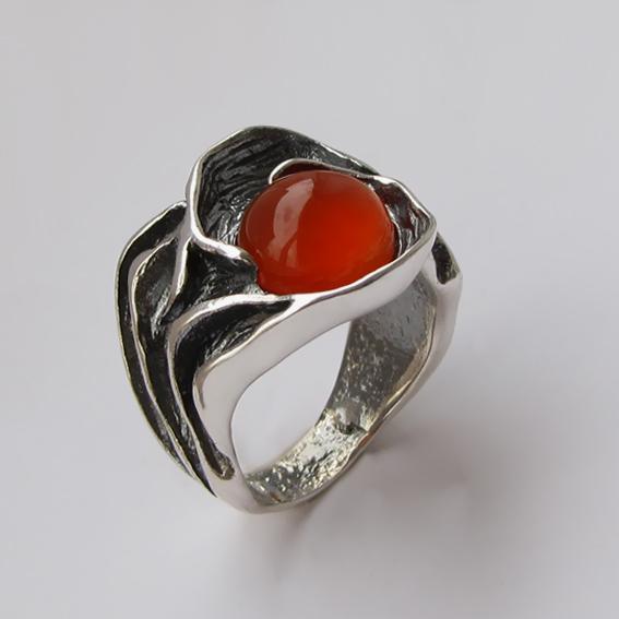 Кольцо с сердоликом, арт. ИЗР3