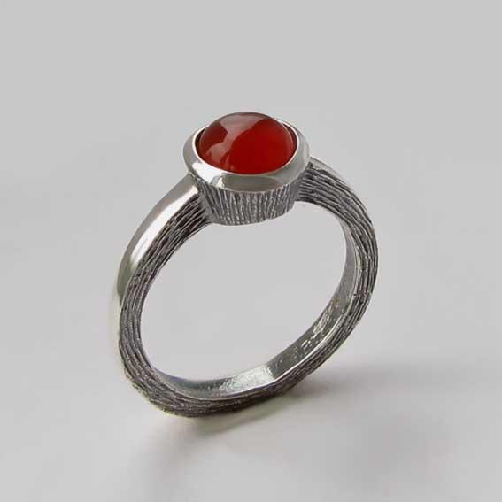 Кольцо из серебра с сердоликом, арт. ПФ38