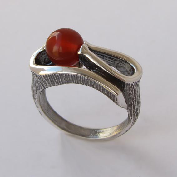 Кольцо с сердоликом, арт. ВОС3
