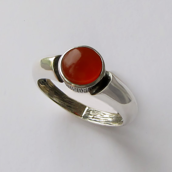 Кольцо из серебра с сердоликом, арт. ПФ36