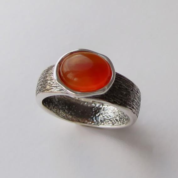 Кольцо с сердоликом, арт. ПФОВ37