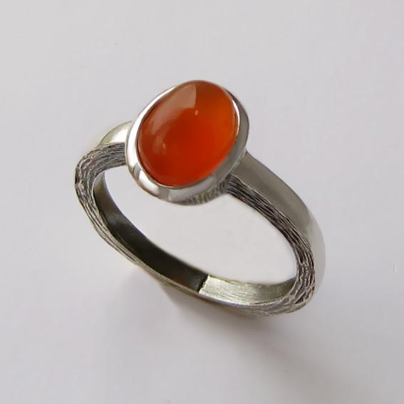 Кольцо из серебра с сердоликом, арт. ПФ38Н