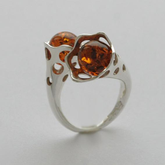 Кольцо 2Ш3 с янтарем