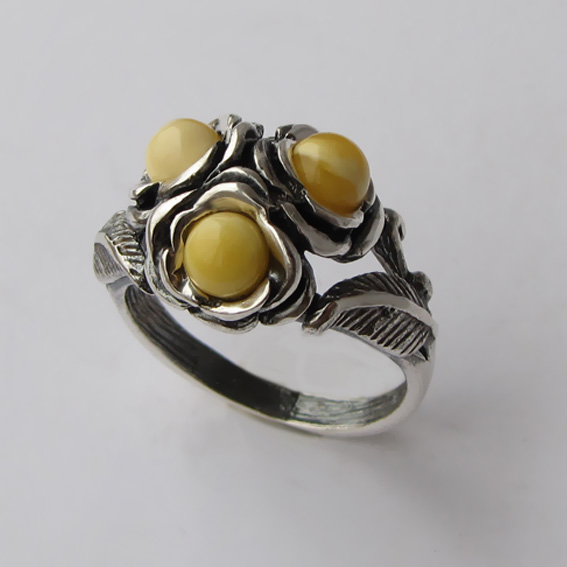 Кольцо с янтарем белым, арт. 3ЦВ3