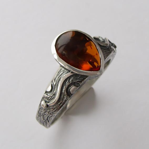 Кольцо с янтарем, арт. СЛЧ37