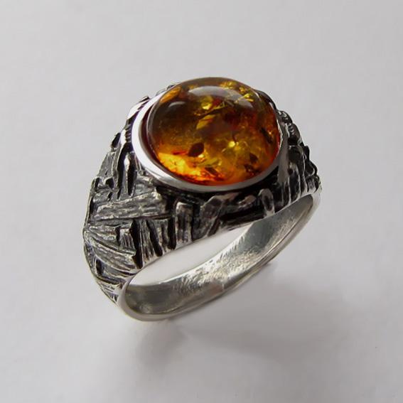 Кольцо с янтарем, арт. ЭТ3