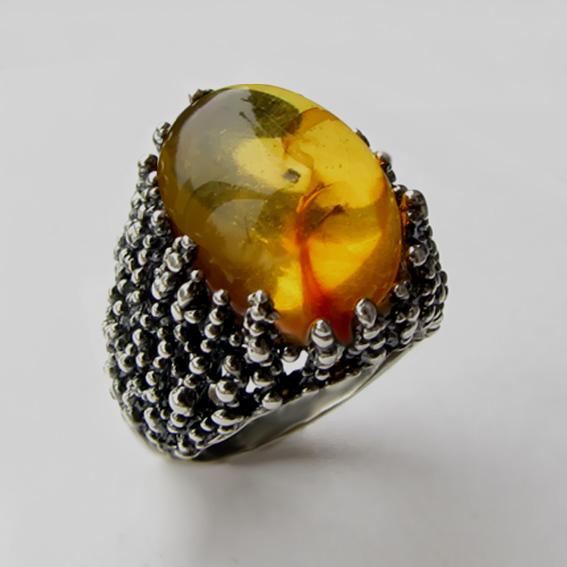 Кольцо с янтарем-инклюзом, арт. ГАУ313
