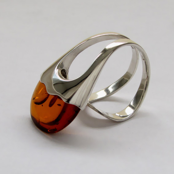 Кольцо с янтарем, арт. ЛС3