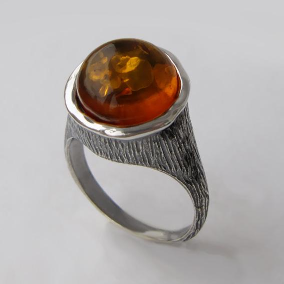 Кольцо с янтарем, арт.ПЕ3