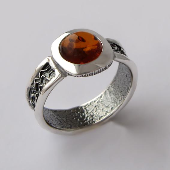 Кольцо с янтарем, арт. ИЕ3