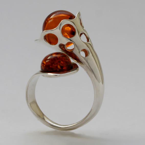 Кольцо Ш3 с янтарем