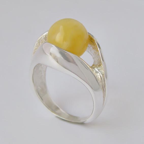 Кольцо с янтарем белым УЛ3