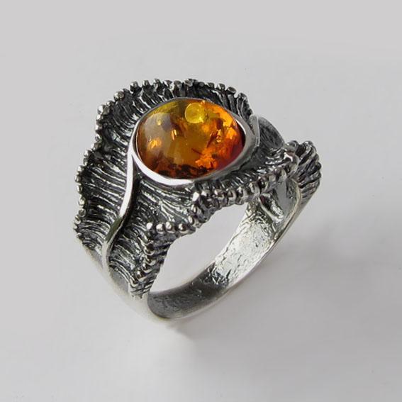 Кольцо с янтарем, арт. ВОЛ32