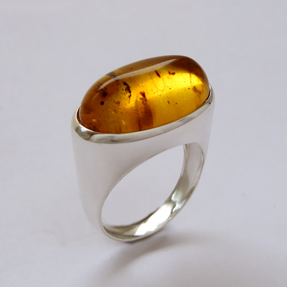 Серебряное кольцо с янтарем инклюзом, арт.ВОВ3Д