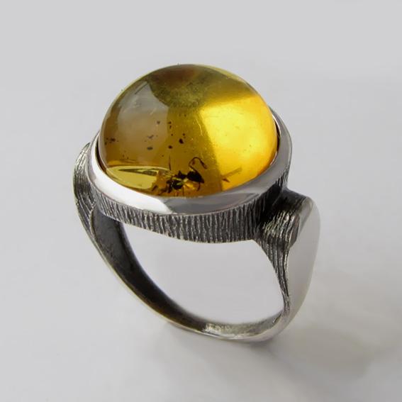 Кольцо с янтарем инклюзом, арт. ЗЕК315