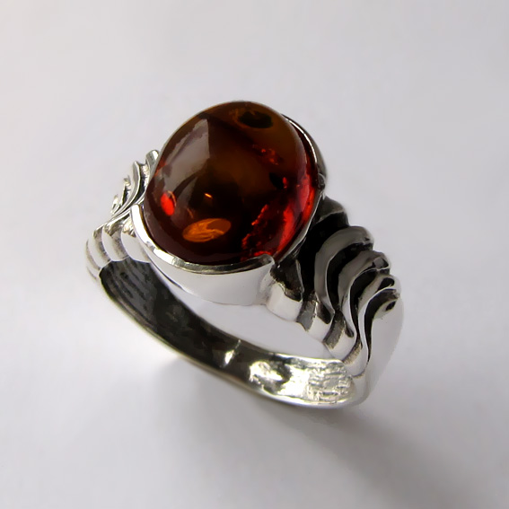 Кольцо с янтарем, арт. ЧЕШ3