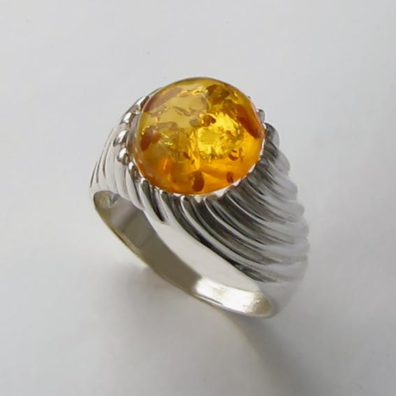 Кольцо с янтарем, арт. ЭТК3