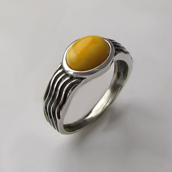Кольцо с янтарем белым, арт. МОР3