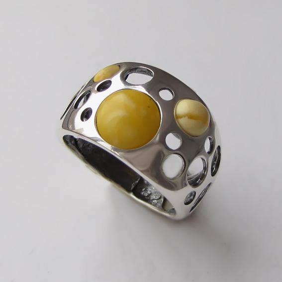 Кольцо с янтарем белым, арт. НЛ3