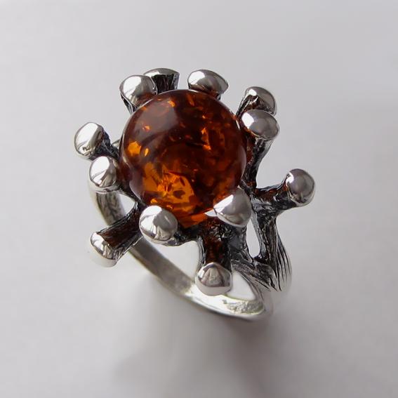Серебряное кольцо с янтарем, арт.Р3