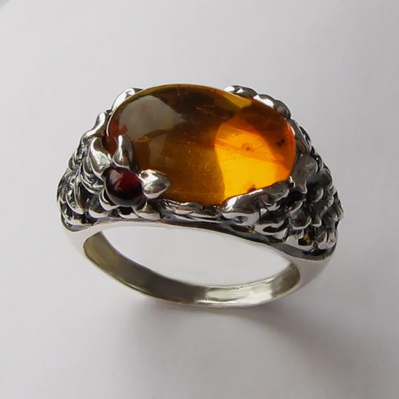 Кольцо с янтарем, арт. ВЯ3