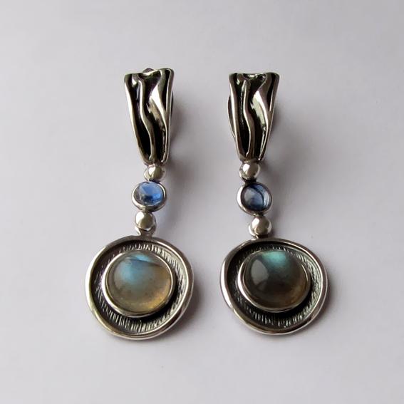 Серебряные серьги с лабрадором, кианитом, МСБК4