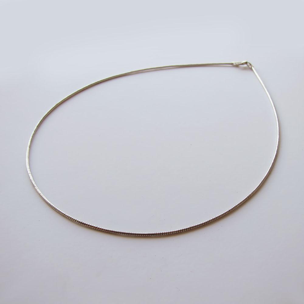 Струна серебряная 50 см., толщина-1.6 мм.