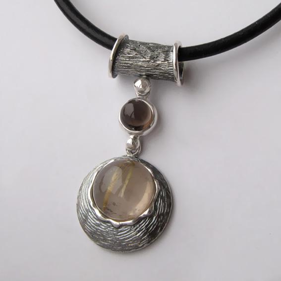 Кулон из серебра КИКЧ112 с золотистым кварцем, раухтопазом