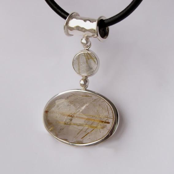 Кулон из серебра КИОВ118 с золотистым кварцем