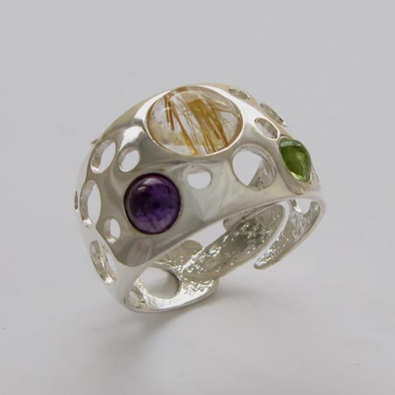 Кольцо с золот.кварцем, аметистом, хризолитом, арт.НЛ3