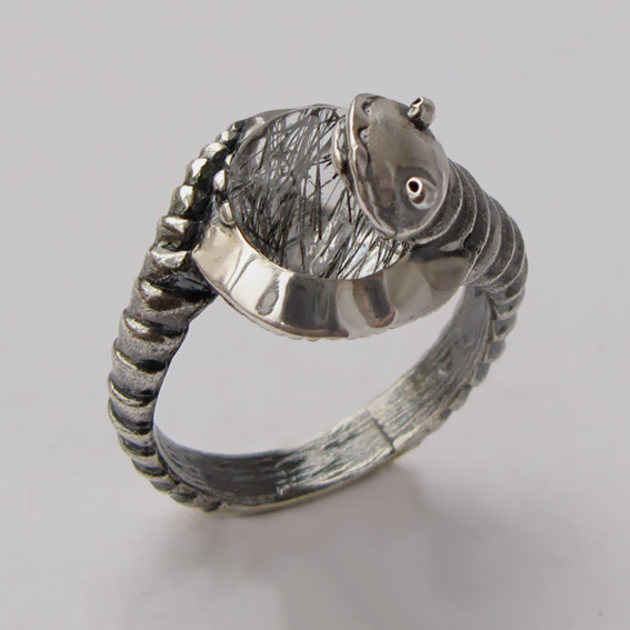 Кольцо с рутиловым кварцем, арт. ОНО3