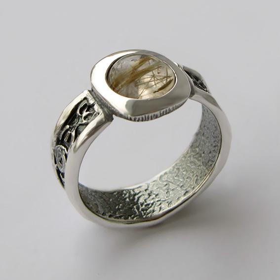 Кольцо из серебра с золотистым кварцем, арт. ИЕ3