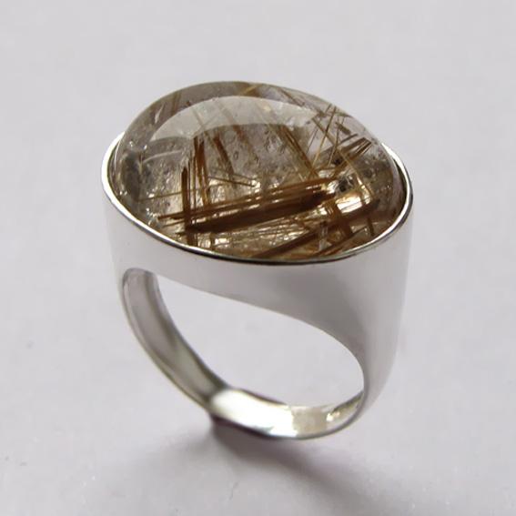 Кольца с золотистым кварцем (волосатиком)
