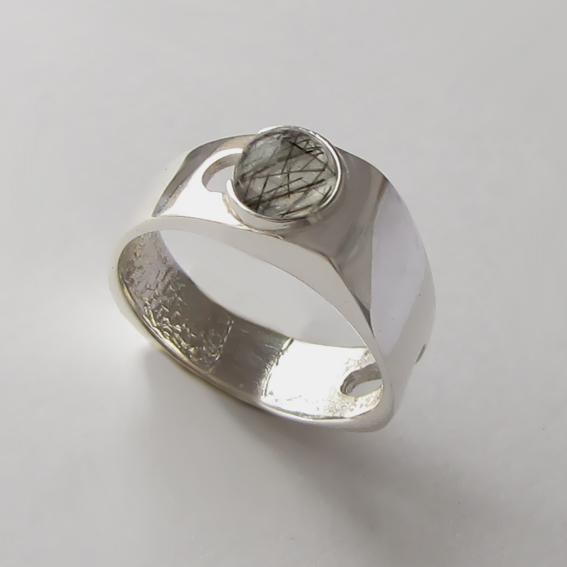 Кольцо с рутиловым кварцем, арт. БАК3