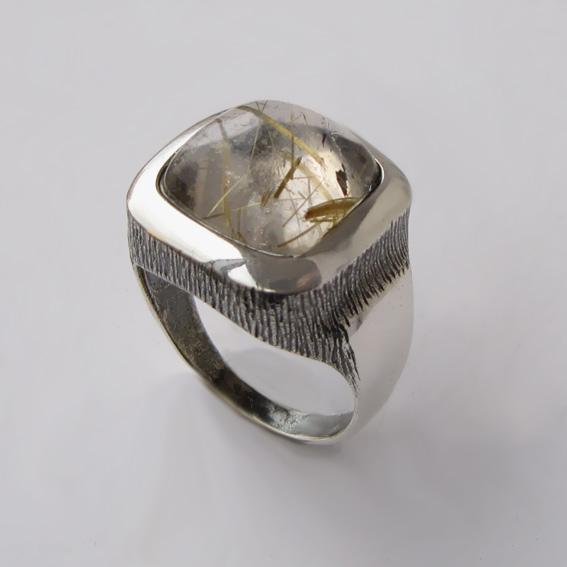 Кольцо с золотистым кварцем, арт. КВКН312
