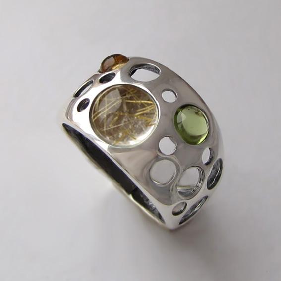 Кольцо с золот.кварцем, цитрином, хризолитом, арт.НЛ3