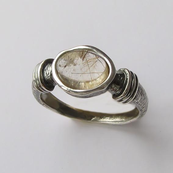 Кольцо с золотистым кварцем, арт. ОВП37