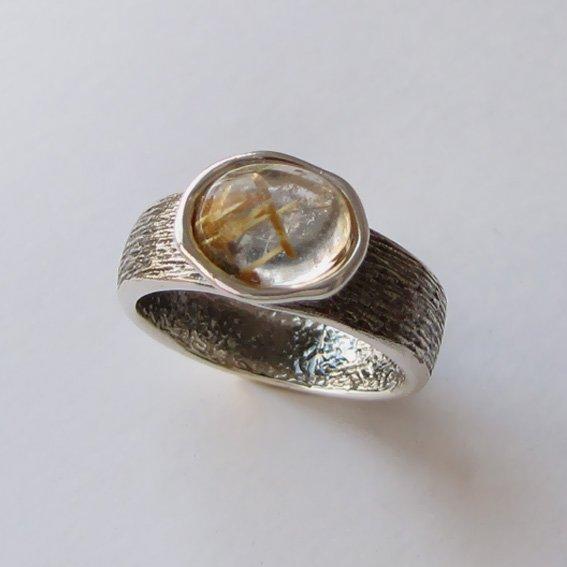 Кольцо с золотистым кварцем, арт. ПФОВ37