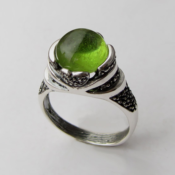 Кольцо с хризолитом, арт. ПЕБА3