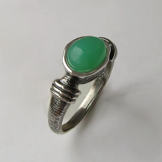 Кольцо серебряное с хризопразом, арт. ОВП37