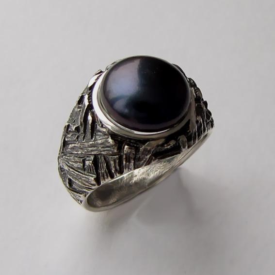 Кольцо с жемчугом черным, арт. ЭТ3
