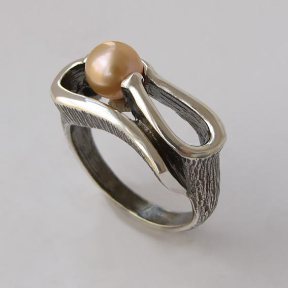 Кольцо с жемчугом розовым, арт.ВОС3