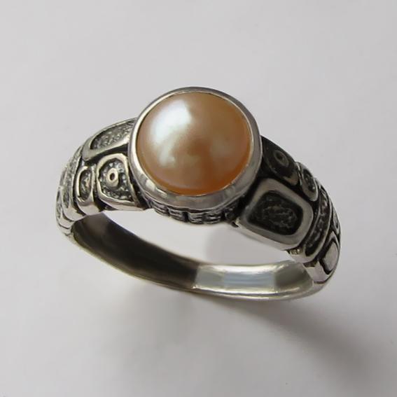 Кольцо с жемчугом персиковым, арт. ГРИК3