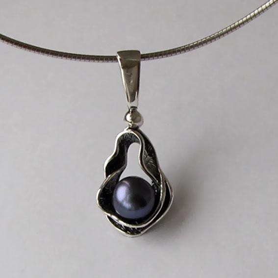 Кулон серебряный с жемчугом черным, ВОД1Д
